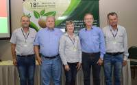 Direção e conselheiros representantes dos líderes de núcleo satisfeitos com o resultado